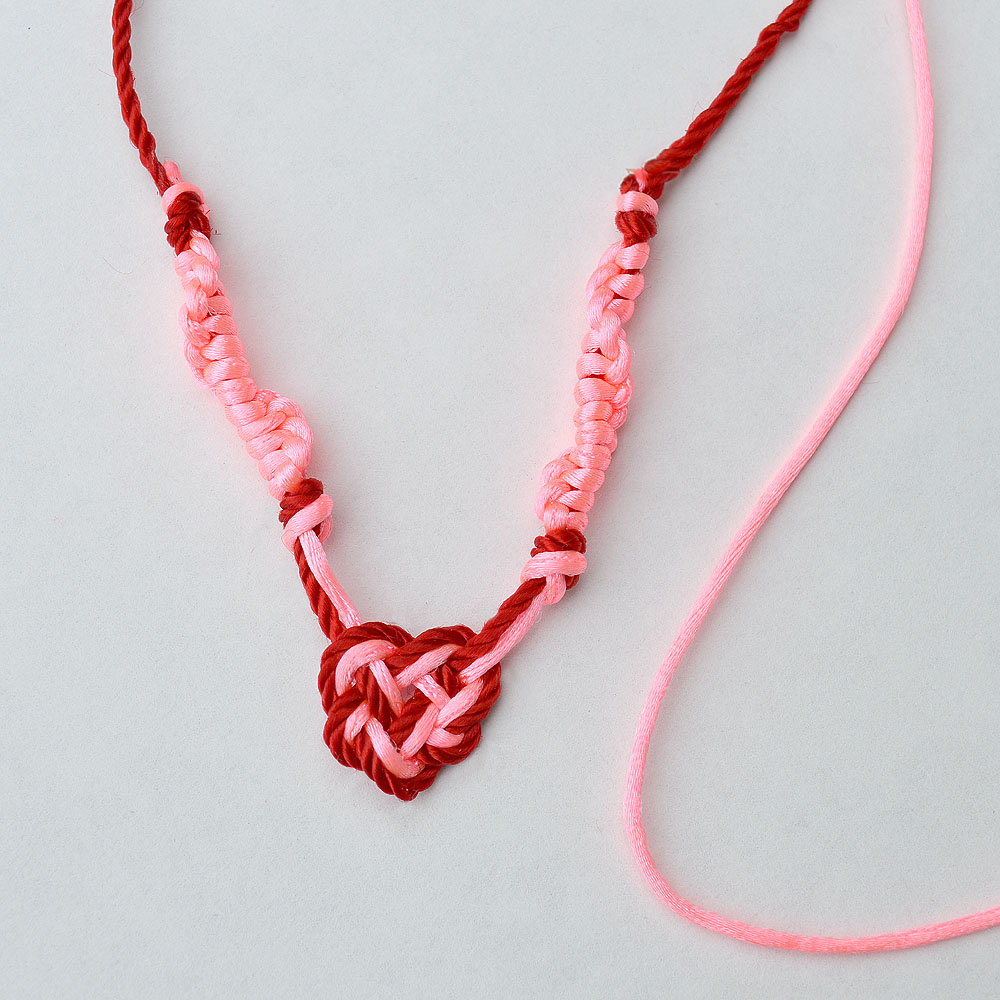 macrame heart necklace