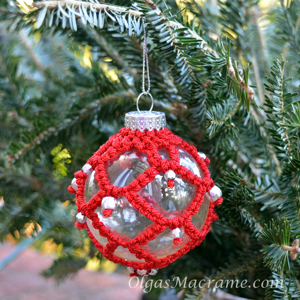 macrame Christmas ornament