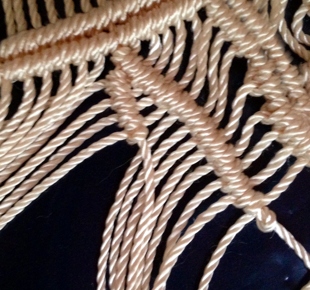 macrame leaves pattern